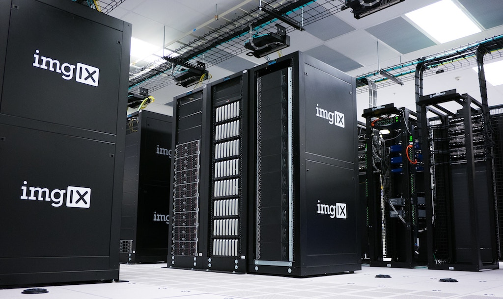 Four Reasons Why Having the Right Server Hosting Could Save Your Business