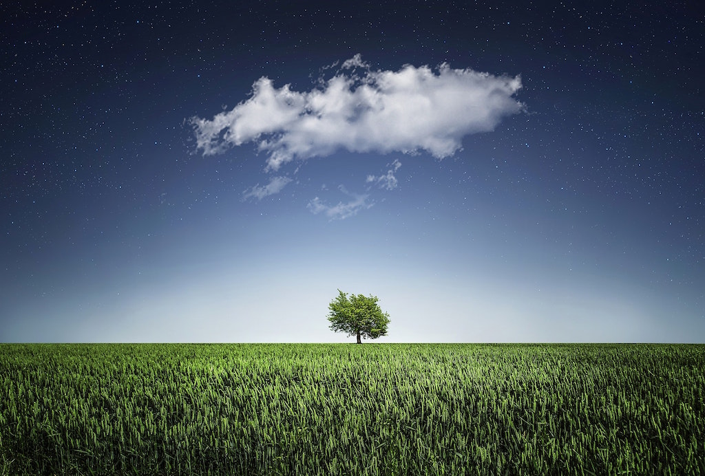 cloud-countryside-field