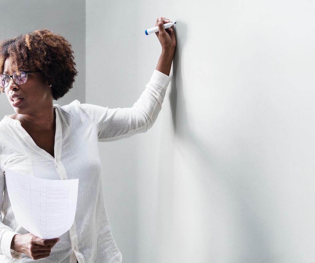teacher-whiteboard