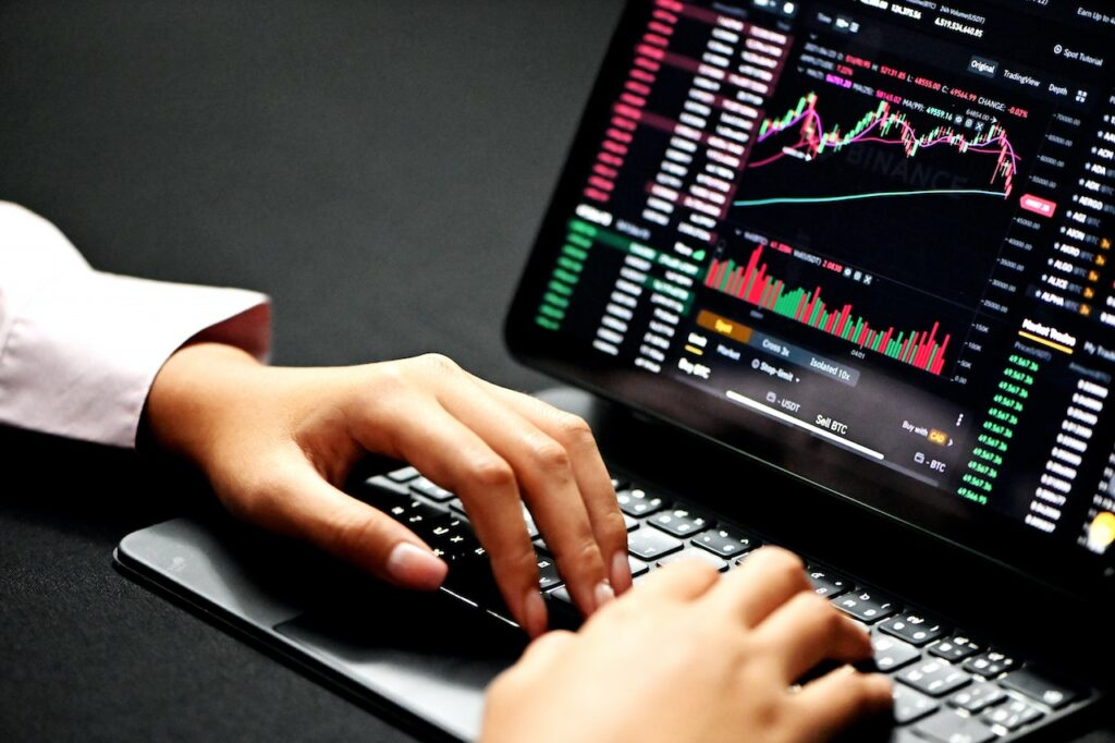 Robert Testagrossa - Dangers of Investing in Alt Coins